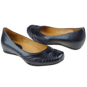 Earthies Vanya Leather Flat in Black